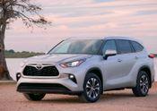 2020 Toyota Highlander – XLE Gas – Exterior: Silver Metallic B-ROLL