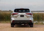 2020 Toyota Highlander XLE FWD Silver Metallic 008