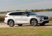 2020 Toyota Highlander XLE FWD Silver Metallic 010