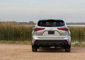 2020 Toyota Highlander XLE FWD Silver Metallic 011