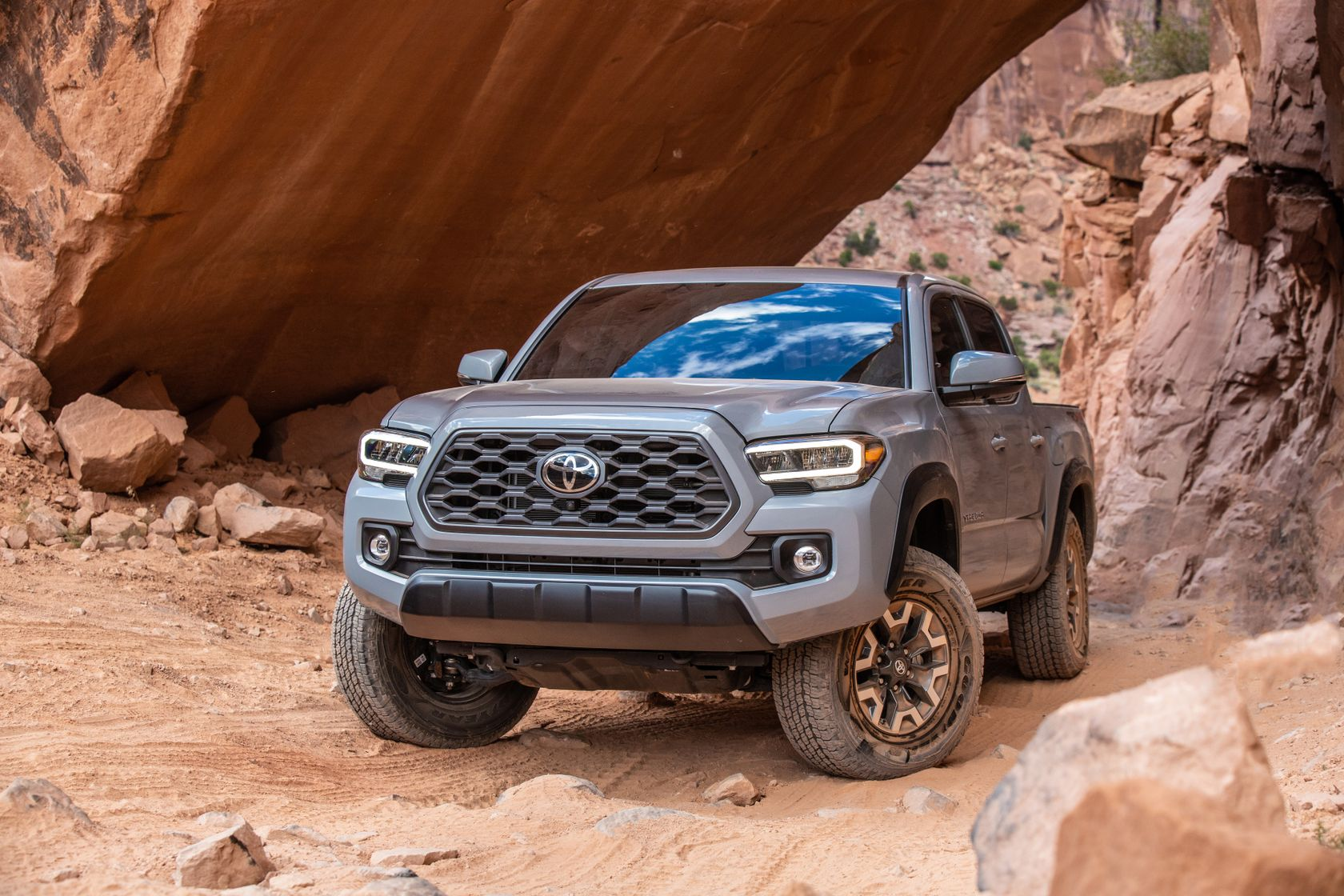 20_Tacoma_TRD_Off-Road_Cement_15
