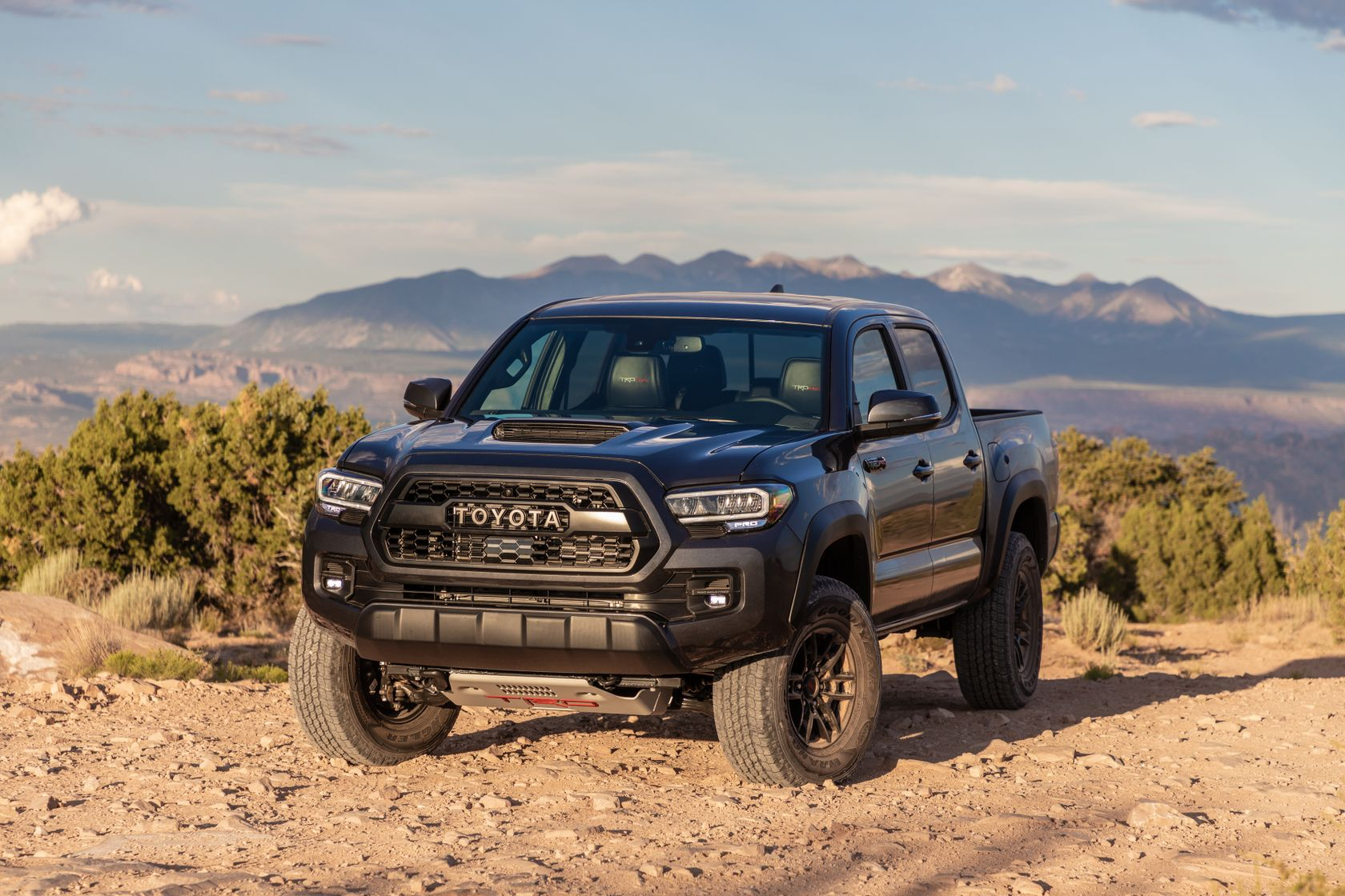 20_Tacoma_TRD_Pro_Magnetic_Gray_2