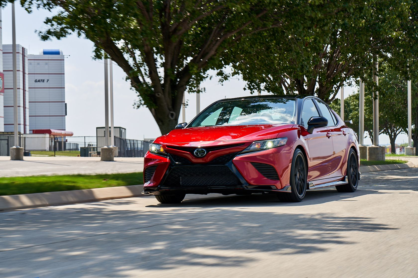 2020 Toyota Camry TRD Supersonic Red Midnight Roof 002