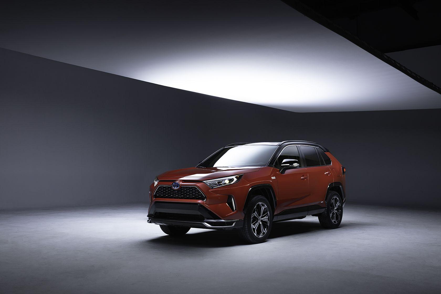 2021 Toyota RAV4 PlugIn 001