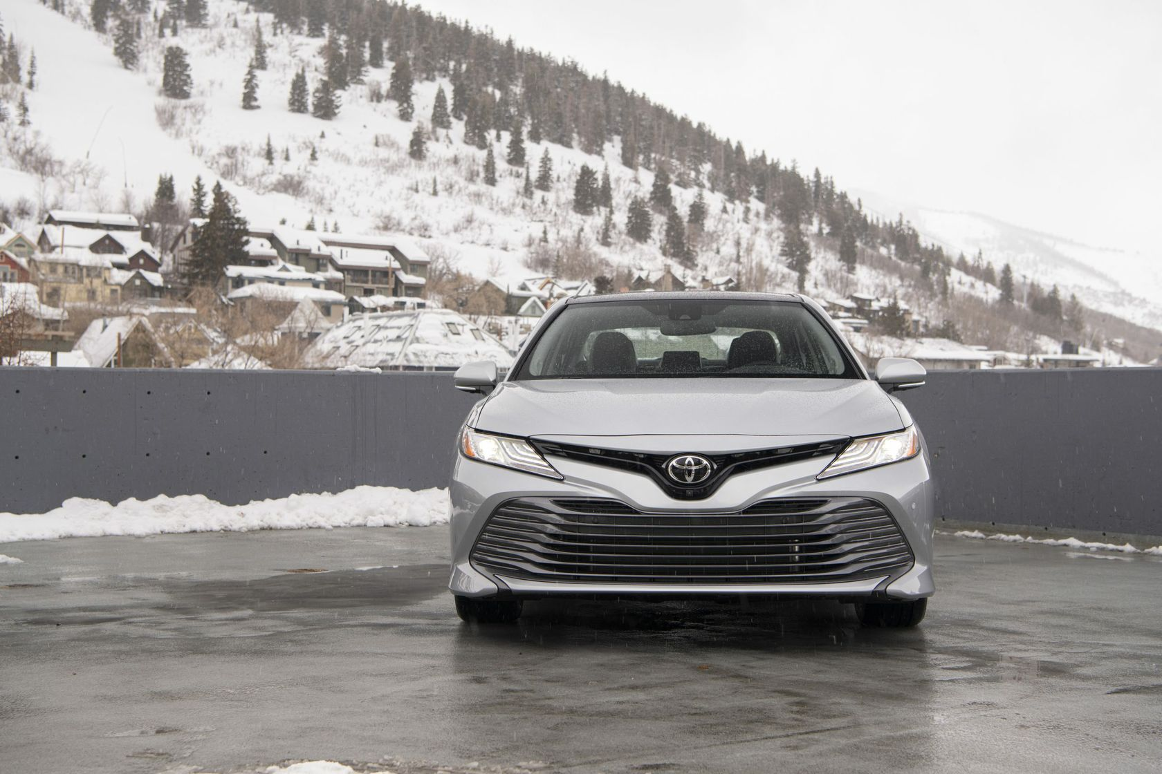 2020_Camry_XLE_AWD_Celestite-Silver_033-scaled