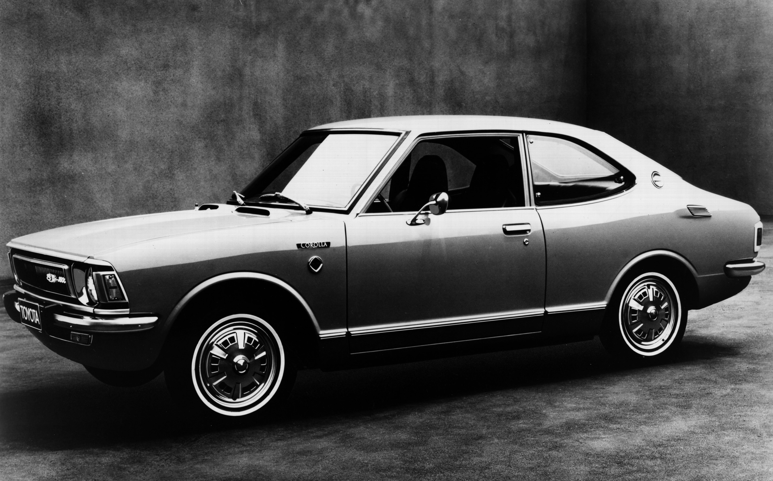 1998001_1972_Corolla_1600_Fastback-1