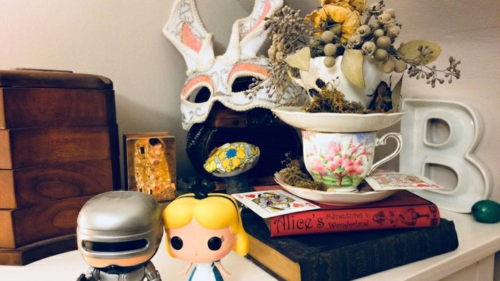 Alice Nightstand