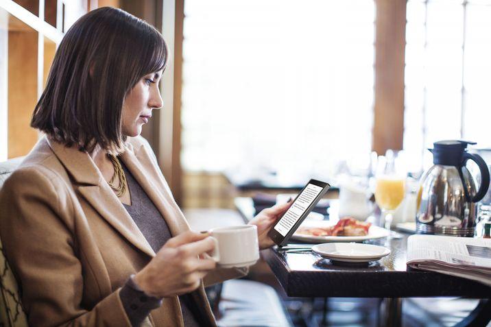cafe_reading