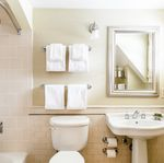 Holly Inn guest room bath
