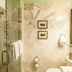 Carolina Hotel - Guest Room Bath