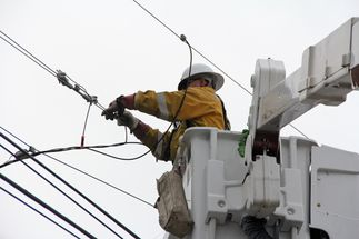 UPDATE: SCE Crews Respond to Power Outages as Rains Pour Down on Southern California