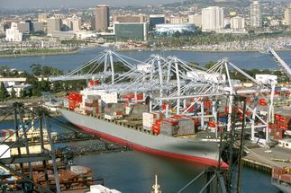 Clean Electricity Powers Ships and Moves Goods at Port of Long Beach