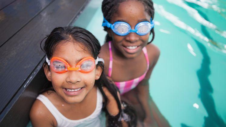 Seis consejos para nadar sin riesgos este verano