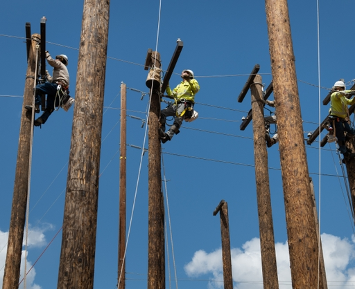 Five+linemen_ElisaFerrari_4-4-19_201904161930