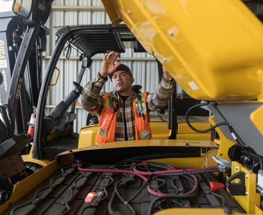 Forklift+lowering+hood_MariaHedrick_12-9-2019