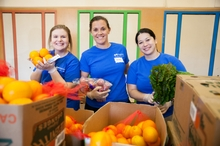 Regence BlueCross BlueShield partners with Oregon Food Bank for a Week of Service, providing 20,000 meals to Oregonians in need