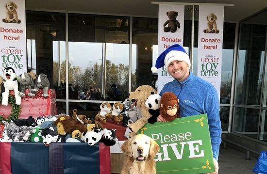 Regence celebrates 16 years of smiles with the 2018 KGW Toy Drive
