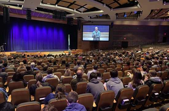 Hundreds gathered to hear Chris Herren speak at Rolling Hills Community Church