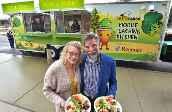 Regence helps dedicate Mobile Teaching Kitchen in Tacoma