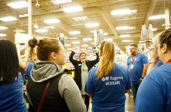 Regence Medicare employee volunteers 1