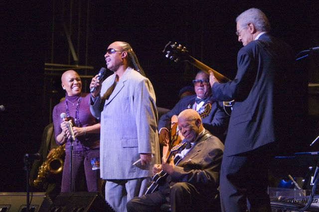 Dee Dee Bridgewater, Stevie Wonder and B.B. King perform with Kenny Burrell
