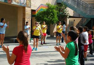 Click to open the large image: Eight-clap at Politi Elementary