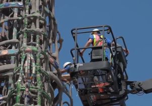 Click to open the large image: Watts Towers screenshot 1