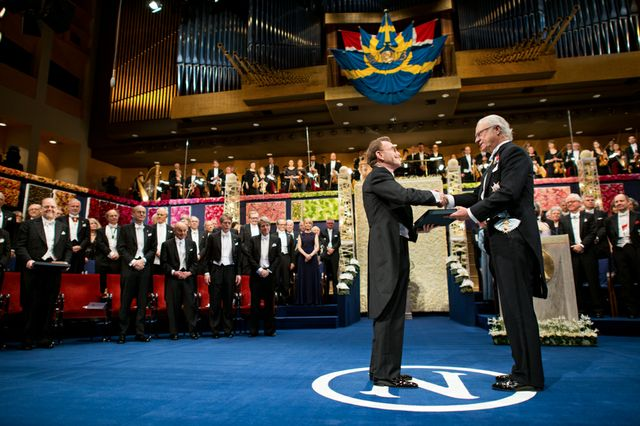 Randy Schekman receiving his Nobel