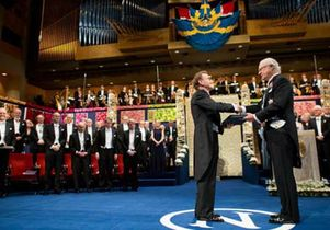 Click to open the large image: Schekman receives Nobel 550