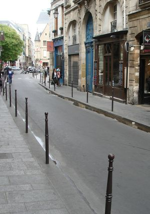 Rue Vieille du Temple today