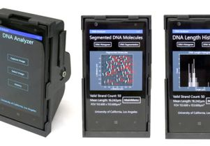 Smartphone microscope screens