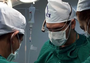 Dr. Chenu performs a hernia procedure while wearing Google Glass.