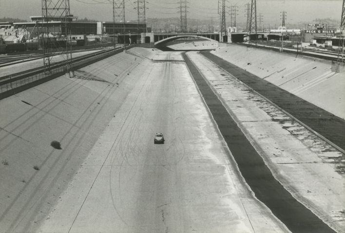 Los Angeles River car