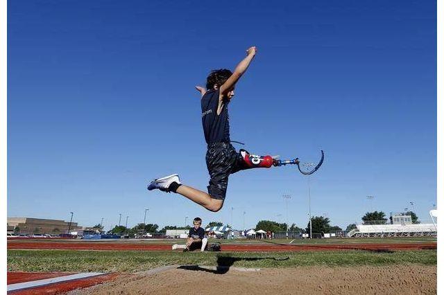 Ezra Frech, long jump