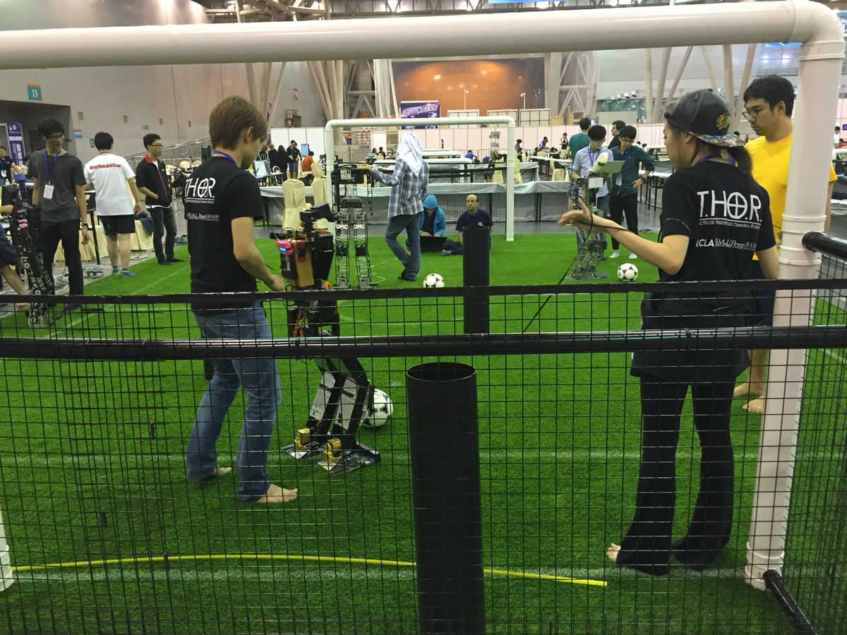 Teams at RoboCup and their robots