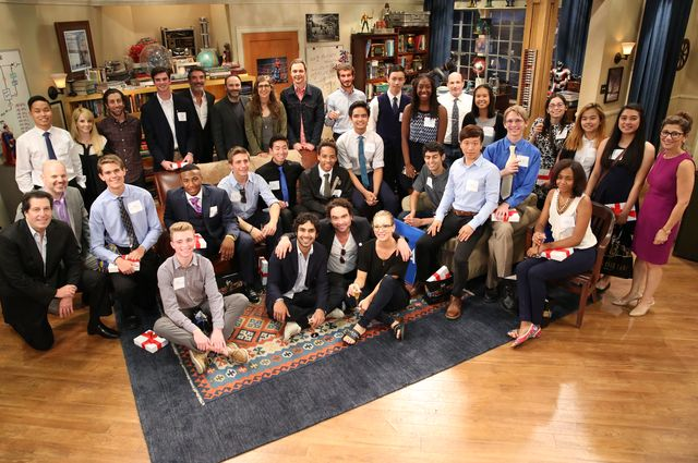 """UCLA students with cast of """"The Big Bang Theory"""""""