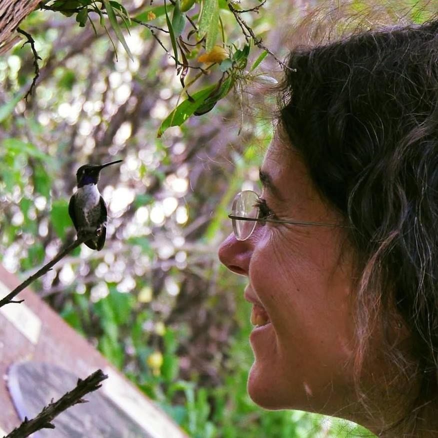 Melanie Barboni and a hummingbird