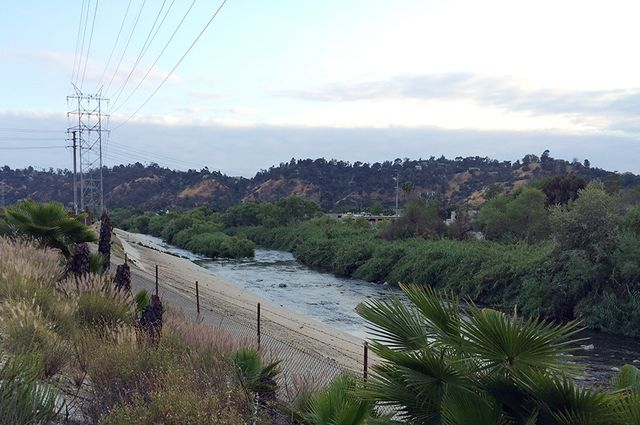 LA River utility towers