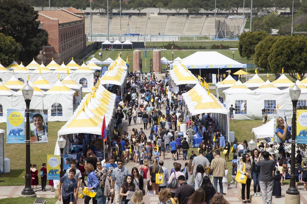 Bruin Day crowd