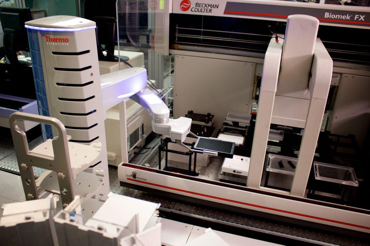 Screening robotics