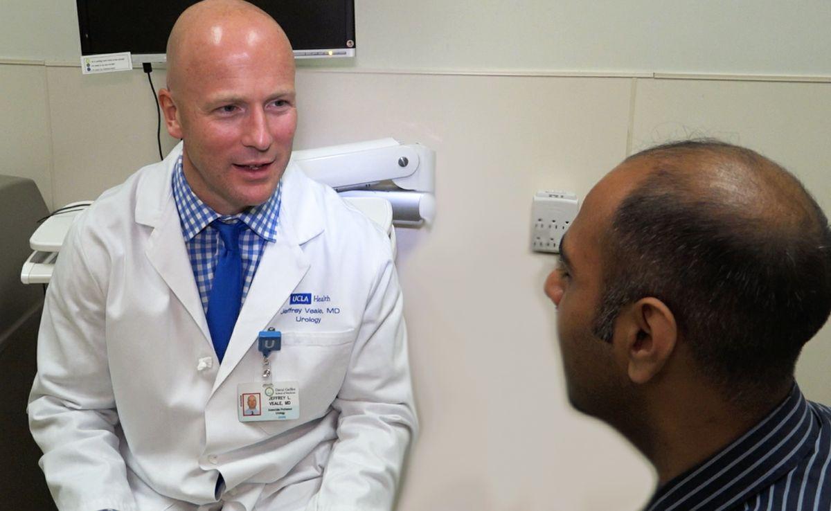 Dr. Jeffrey Veale