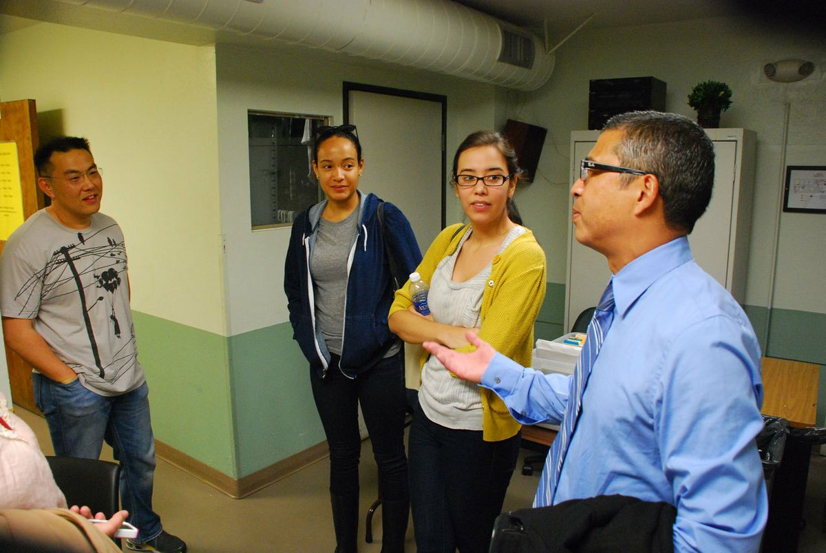 Gerry Laviña talks to social welfare graduate students