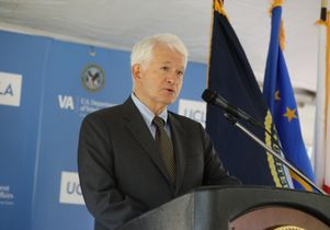 Chancellor Gene Block at VA event