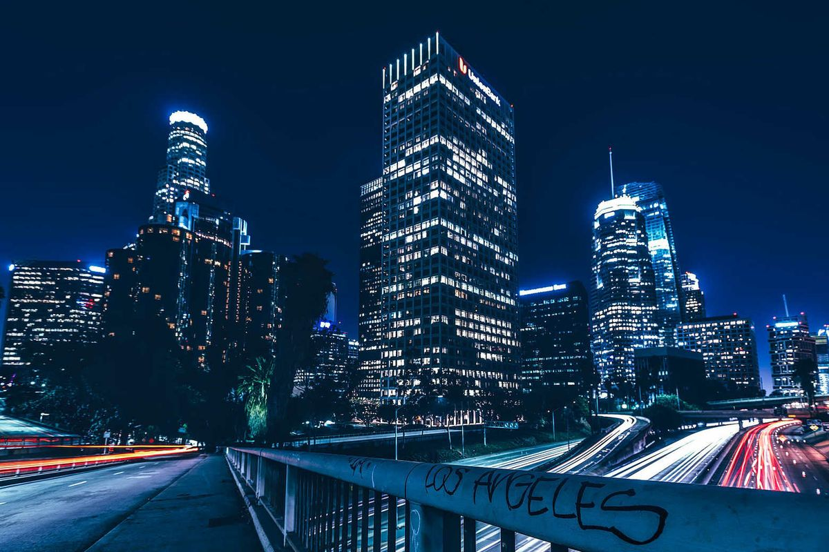Decarbonizing transportation: mobility in Los Angeles