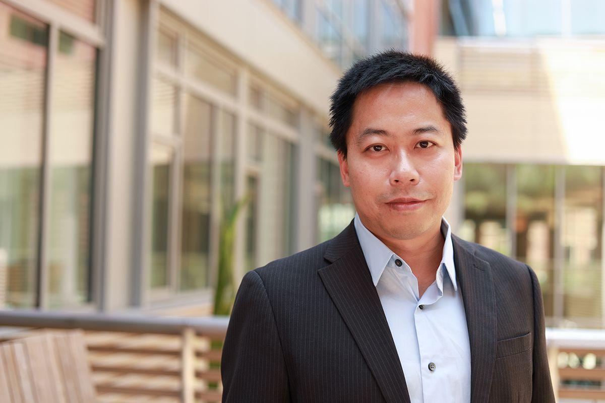 Yongjie Hu