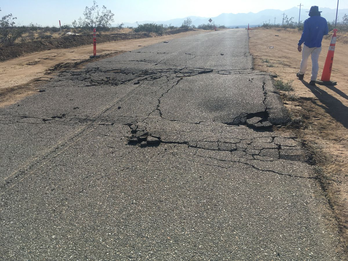 Ridgecrest - road rupture