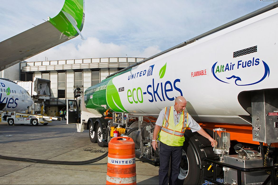 United Airlines and AltAir Fuels