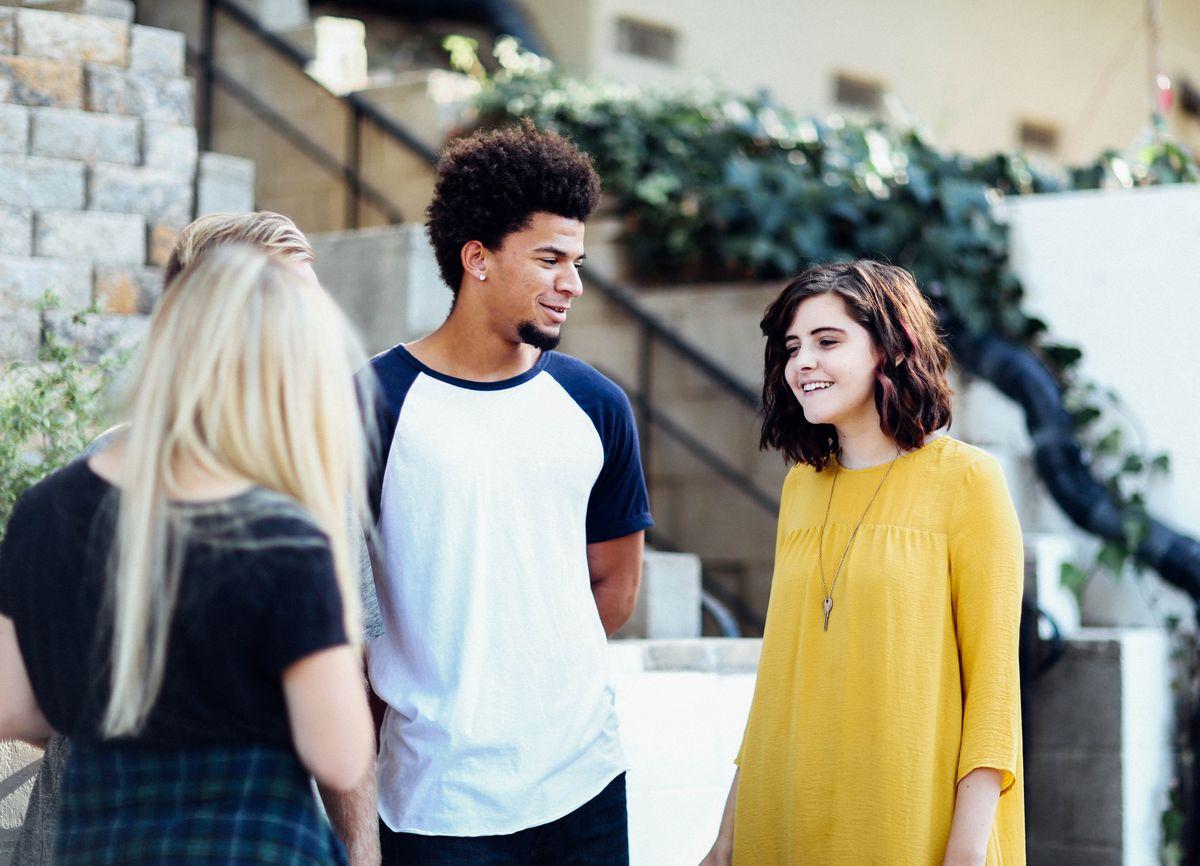 3 teenage students