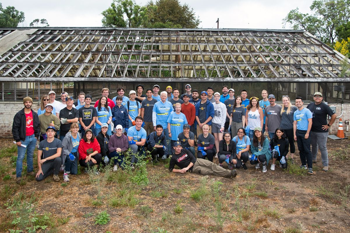UCLA volunteers, including Chancellor Gene Block and his wife, Carol, at the Veterans Native Garden on the campus of the Veterans Affairs Greater Los Angeles Healthcare System.