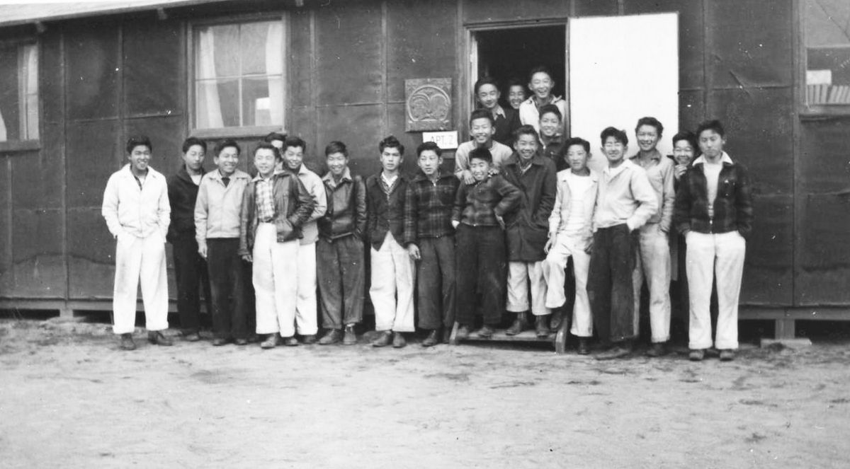 Physical education class at Manzanar 1943